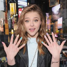 Nail Care Board - Cute mani on Chloe Moritz. Was just looking to see how different she looks now+ - Nail Design Spring, Winter Nail Designs, Simple Nail Designs, Celebrity Nails, Celebrity Beauty, Chloe Grace Moretz, Chloé Moretz, Divas, Beauty Nails