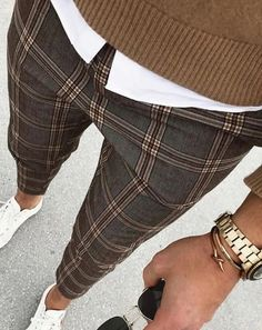 Checked Trousers Outfit, Mens Plaid Pants, Formal Men Outfit, Mein Style, Stylish Mens Outfits, Business Casual Outfits, Mens Fashion Suits, Mens Clothing Styles, Look Fashion