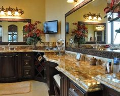 Tuscan bathroom decor - If you are looking for a touch of Mediterranean glamour and classic design into your bathroom. A Tuscan-themed design Mediterranean Bathroom, Tuscan Bathroom Decor, Tuscan Decorating, Mediterranean Bathroom Design Ideas, Mediterranean Home Decor, Tuscan Bathroom, Mediterranean Decor, Bathroom Design, Bathroom Decor