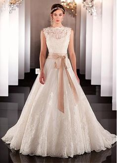 Gorgeous Tulle & Satin Chiffon A-line Wedding Dress With Lace Appliques
