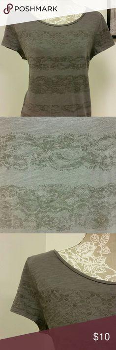 Lace Print Tee Ann Taylor Loft size XL scooped neck t-shirt LOFT Tops Tees - Short Sleeve