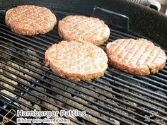 Burger Patties Rezept - Saftige Patties für den Grill, selbst gemacht Beste Burger, Yams, Grill Pan, Grilling, Bbq, Play Dough, Griddle Pan, Barbecue, Barrel Smoker