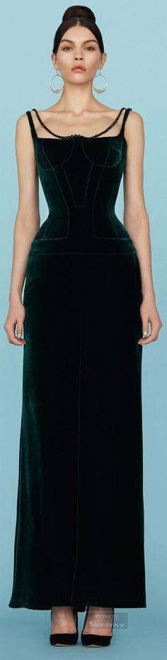 Ulyana Sergeenko.Spring 2015 Couture. V...beautiful
