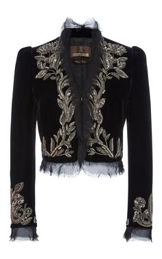 This **Oscar De La Renta** jacket features pronounced shoulders and an embroidered floral print along the trim. It is cut for cropped fit decorated by tulle at the sleeves. Kpop Fashion Outfits, Stage Outfits, Look Fashion, Womens Fashion, Fashion Design, Embroidered Jacket, Embellished Jackets, Floral Jacket, Mode Hijab