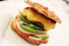Home made LCHF burger, MUST TRY! Recipe at cathinthecity.com
