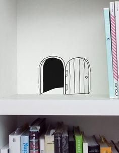 Adesivo de parede -  a casa do ratinho na estante