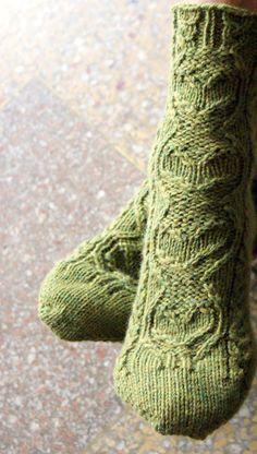 sweetheart socks from knitty winter 2011