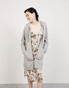 Giacca con cappuccio oversize lunga - Felpe e giacche - Bershka Italy