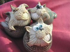 Collectable Miniature Cheshire Grin Cat | hand-made pottery from Muggins Pottery in Leicestershire - wedding gifts, birthday presents, christening presents and anniversary gifts.