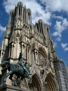 Cathedral of Reims - Reims, Champagne-Ardenne heartbreakingly beautiful. especially when snowy