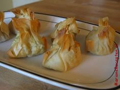 Kipfilet in filodeeg Fish Recipes, Appetizer Recipes, Chicken Recipes, Appetizers, Tapas, Canapes, Party Snacks, High Tea, Garlic