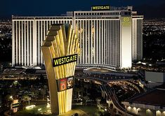 864 best las vegas images in 2019 vacation packages chris brown rh pinterest com