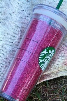 glitter starbucks cups - great #christmas gift idea!!! #DIY #glitter