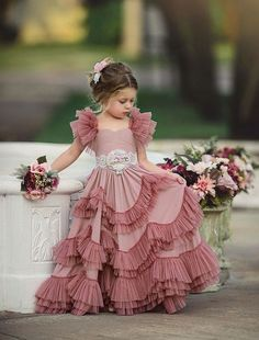 Kids outfits - Capped Sleeves Flower Girls Dresses For Weddings Tiered Kids Prom Gowns Lace Girls First Holy Communion Dress Frocks For Girls, Gowns For Girls, Little Girl Dresses, Flower Girl Dresses, Girls Dresses, Toddler Pageant Dresses, Kids Party Wear Dresses, Fashion Kids, Latest Fashion