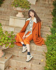 Korean Actresses, Korean Actors, Actors & Actresses, Lee Sung Kyung Wallpaper, Kim Yoo Jung, Weightlifting Fairy Kim Bok Joo, Joo Hyuk, Posing Guide, Kdrama Actors