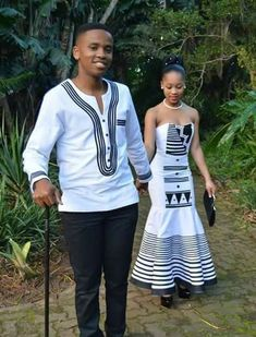 A very poor newly wedded young couple lived in a small farm. One day the husband. African Wedding Attire, African Attire, African Wear, African Women, African Dress, Couples African Outfits, Couple Outfits, African Print Fashion, African Fashion Dresses