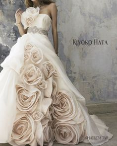 Roses! What a lovely gown!