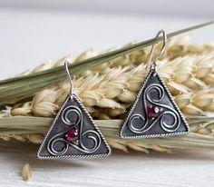 Garnet earrings Triskele earrings celtic Ethnique silver