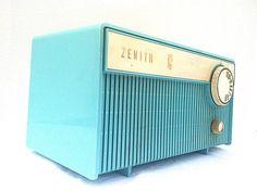 Vintage Turquoise Zenith Radio 1961 Model F508