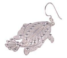 Balık Figürlü Telkari Küpe                            Oruk Silver & Gold 25 yıllık bilgi ve tecrübesi ile altın ve gümüşü kullanarak hem Mezopotamya ruhunu hem de günümüzün modasını yansıtan takı ve mücevherlere imzamızı atmaya devam ediyoruz.
