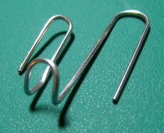 How to Bend a Paper Clip to Hang Light Objects on Cubicle Walls. Ah, the cubicle, home to office workers all over. The bland colored fabric walls are frequently supported by solid metal that refuses to admit any sort of thumb tacks or. Cubical Ideas, Office Ideas, Office Inspo, Desk Ideas, Office Style, Cute Cubicle, Cubicle Design, Decorating Work Cubicle, Diy Decorating