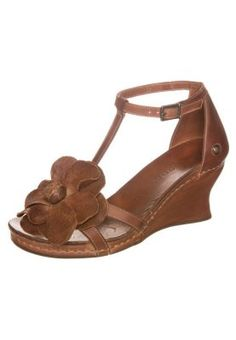 TREPAT - Sandały na koturnie - brązowy
