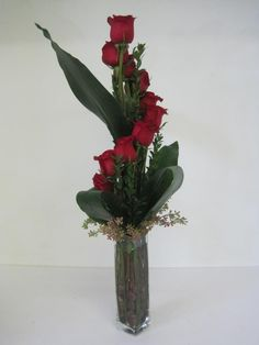 great rose arrangement..great look for a different Valentines day arrangement!