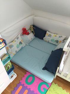 Playroom kids Reading corner in the bedroom / Kinderzimmer Leseecke