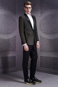 Viktor & Rolf FallWinter 2014 - Paris Fashion Week - DerriusPierreCom (26)