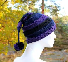 Handknit pointy hat with pompom in witch colours by KnitographyByMumpitz