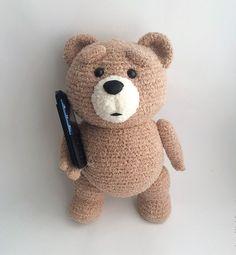 """Предлагаем Вам связать медведя крючком. Не знаю, как Вам,   а мне он очень напомнил мишку - героя фильма """"Третий лишний"""").   [Медведь к..."""