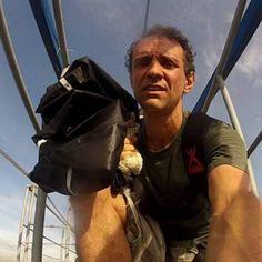 O atleta Keds Skediver, conhecido por saltos com wingsuit, morreu após sofrer um acidente durante um voo livre.