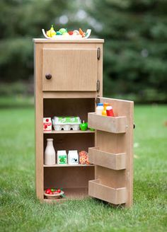 Want August to have a play kitchen with this in it!