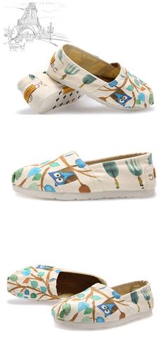 #Hand-painted shoes,all of us need #flat #shoes , they are so comfortable and #fashionable  and good for our feet.