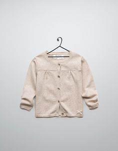 like the details :)    VEST MET PLAT KRAAGJE - Jassen en truien - Baby meisje (3-36 maanden) - Kinderen - ZARA Nederland