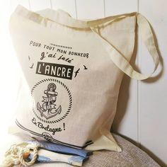 Collection de tote bags Bretons - Accessoire du quotidien pratique, esthétique et drôle ! Adoptez-le ! Poster Surf, Tote Bags, Collection, Anchor, Custom In, Accessories, Tote Bag, Totes