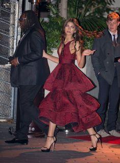 Zendaya Holiday Look Gorgeous red holiday gown and glam curls… Moda Zendaya, Zendaya Mode, Zendaya Outfits, Zendaya Style, Zendaya Dress, Zendaya Red Hair, Zendaya Twitter, Zendaya Photoshoot, Zendaya Makeup