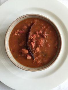 FRIJOLES CHARROS CON PIQUETE #beans #beer #chorizo #charrobeans