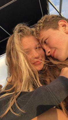 Teen Couples, Cute Couples Photos, Cute Couple Pictures, Cute Couples Goals, Couple Photos, Couple Goals Relationships, Relationship Goals Pictures, Boy Best Friend, Best Friend Goals