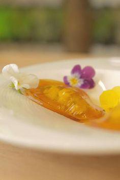 Open ravioli van honinggelatine en roquefort