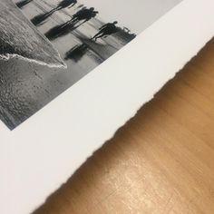 Impresiones #giclée de Natalia Lorca Ruiz para su próxima exposición SECRETO A LUCES que se inaugurará el próximo 22 de Diciembre en el Centro de Arte Villa Anita de las Cuevas del Almanzora -Almería. Obras impresas en Canson Infinity Edition Etching Rag 310 gsm y barbadas manualmente ✨ muchísimas gracias Natalia ✨ #natalialorca #exhibit #photography #blackandwhite #fotografia #streetphotography #glicee #gliceeprint #artprint #daily_art #fineartprints #gicleereproductions #graficartprints…