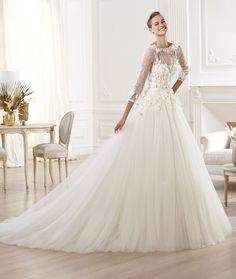 Hey future brides, check out this post, named Elie by Elie Saab Bridal 2014 Collection for Pronovias. It gives you a wonderful collection of wedding gowns. Wedding Dresses With Flowers, Wedding Dresses 2014, Bridal Dresses, Wedding Gowns, Lace Wedding, Dream Wedding, Dresses 2013, Bridesmaid Dresses, Dresses Dresses