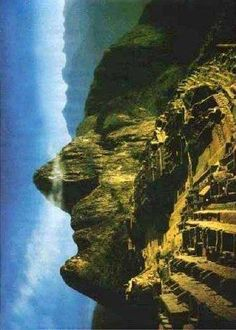 Take a look at this amazing Machu Picchu Illusion illusion. Browse and enjoy our huge collection of optical illusions and mind-bending images and videos. Machu Picchu, Ancient Aliens, Formations Rocheuses, The Face, Mysterious Places, Ancient Mysteries, Ancient Civilizations, Optical Illusions, Planet Earth