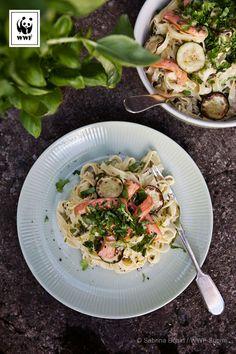 Maukas lohipasta tuo kesän lautaselle vuodenajasta riippumatta.
