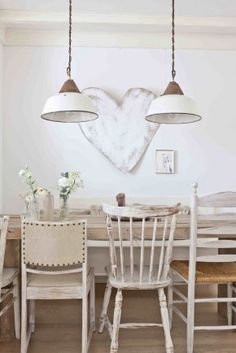 Shabby to Chic: Five Ways to Revamp and Modernize Your Shabby Chic Room - Sweet Home And Garden Dining Room Inspiration, Interior Inspiration, Shabby Chic Furniture, Rustic Furniture, Garden Furniture, Sweet Home, Style Deco, White Decor, Mismatched Chairs