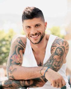 Mixalis Sifakis-songster Beautiful People, Beautiful Pictures, Greek Men, Celebration Quotes, Tatting, Celebrity Quotes, Celebrities, Celebs, Celebrity