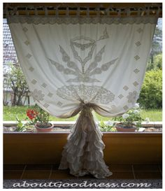 DIY Unique Bohemian Curtain From Repurposed Vintage Lace DIY Curtains DIY Home DIY Decor. Maybe make the blue curtains and use this style for hanging Bohemian Curtains, Drapes Curtains, Bohemian Decor, Boho Chic, Unique Curtains, Cheap Curtains, Double Curtains, My Living Room, My Room