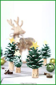 Weihnachtsbasteln: Drei Bastelideen Crafting for Christmas, tinker Advent, crafts with children, Chr Cute Diy Crafts, Kids Crafts, Cork Crafts, Arts And Crafts, Family Crafts, Canvas Crafts, Summer Crafts, Easter Crafts, Simple Crafts