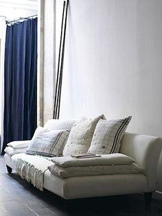 French By Design: Cosy and Comfy : Daybeds