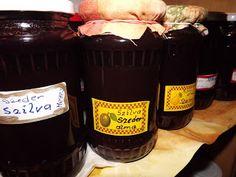 Göcsej tájegység ízei: Fekete szeder gyümölcs és……Növényi gyógyszer Sauce Bottle, Soy Sauce, Whiskey Bottle, Drinks, Drinking, Beverages, Drink, Beverage, Bean Dip